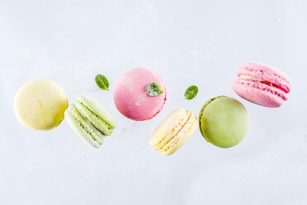 Macarons colorés lumineux Photo Premium