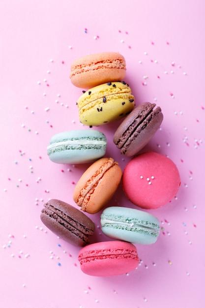 Macarons français colorés Photo Premium