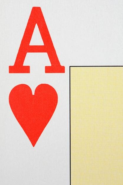 Macro de la lettre de l'as de cœur Photo Premium