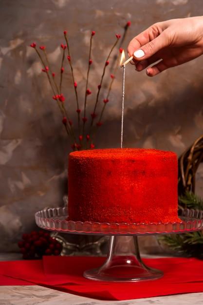 gros gâteau de café brûlant