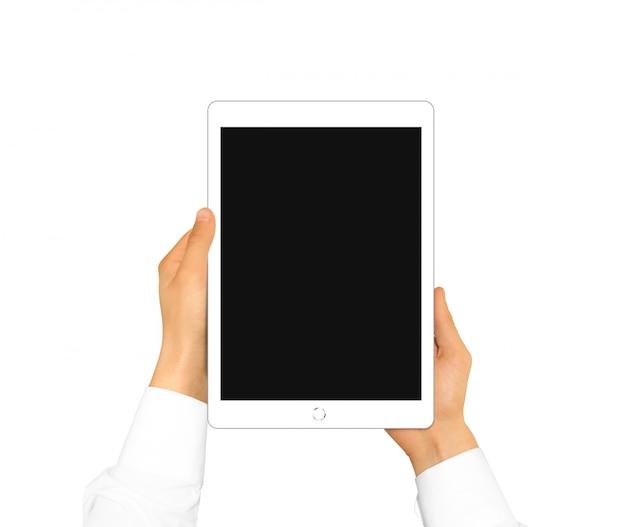Main tenant l'écran de la tablette vierge mock up isolé Photo Premium