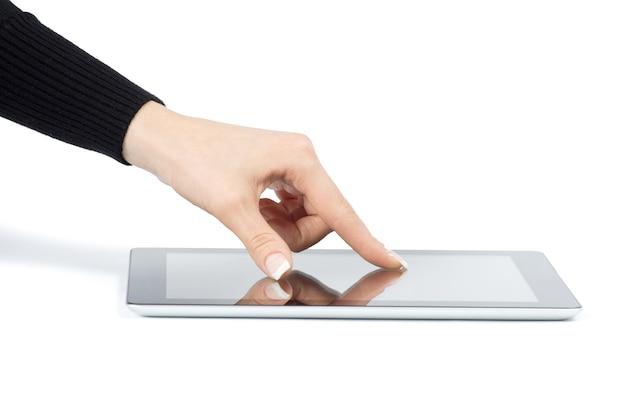 Mains Tenant L'ordinateur Tablette Isolé Photo Premium
