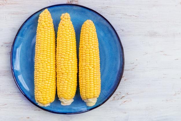 Maïs doux jaune frais Photo Premium