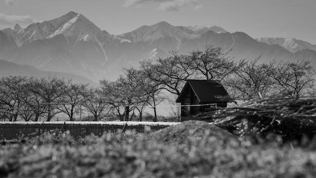 Maison paysanne et alpes centrales, matsumoto Photo Premium