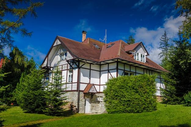 Maison De Vacances. Les Tatras, Slovaquie. Photo Premium
