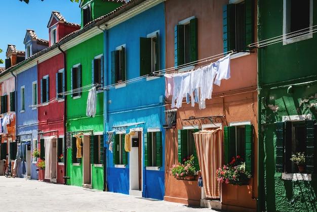 Maisons Colorées Sur Burano Photo Premium