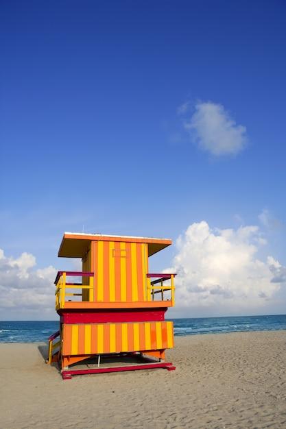 Maisons de maître nageur à miami beach Photo Premium