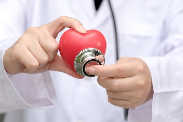 Maladie cardiaque, centre de la maladie cardiaque Photo Premium