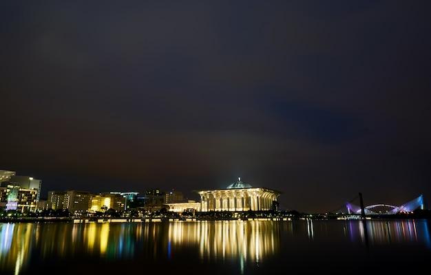 Malaisie nuit pont architecture musulmane Photo gratuit