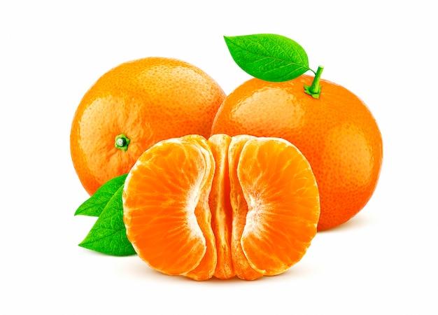 Mandarine ou mandarine isolé sur fond blanc Photo Premium