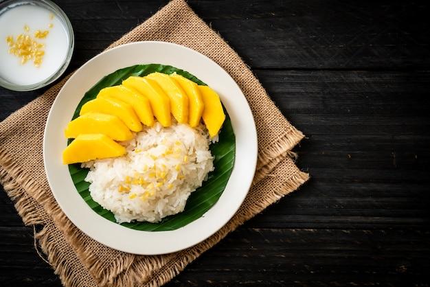 Mangue Avec Riz Gluant Photo Premium