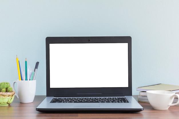 Maquette de bureau pour homme daffaires ou étudiant avec espace