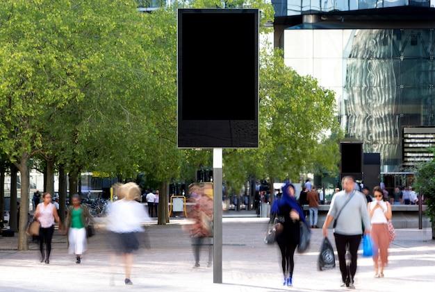 Maquette d'un panneau d'affichage extérieur Photo Premium