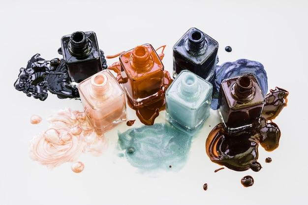 Maquillage de vernis à ongles Photo gratuit