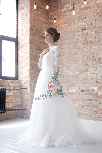 Mariée Dans Sa Robe De Mariée Photo gratuit