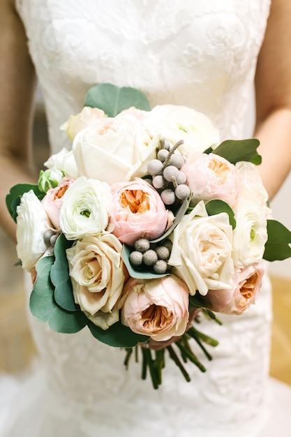 Mariée, Tenue, Mariage, Bouquet Photo Premium