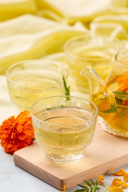 Marigold, Citron, Concept De Traitement De Tisane Au Miel. Photo gratuit