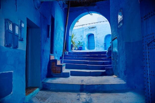 Le maroc est la ville bleue de chefchaouen Photo Premium