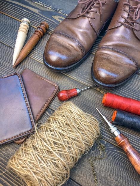 Maroquinerie. atelier de fabrication de vêtements et accessoires. Photo Premium
