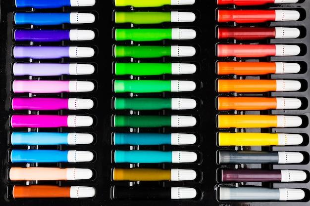Marqueurs Colorés Vue De Dessus Photo gratuit