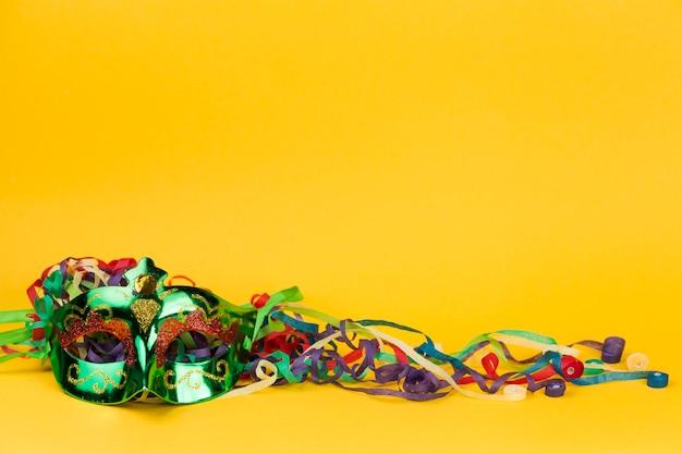 Masque de carnaval avec décoration Photo gratuit