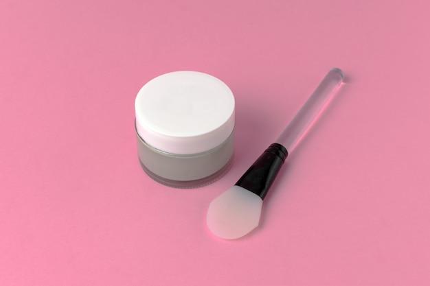 Masque facial avec spatule en silicone vue de dessus Photo Premium