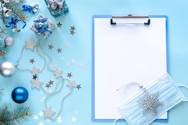Masque Médical, Presse-papiers Vierge Et Décorations De Noël Photo gratuit