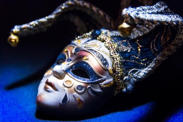 Masques typiques du carnaval traditionnel de venise Photo Premium
