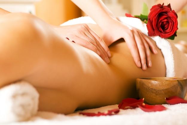 Massage du dos Photo Premium