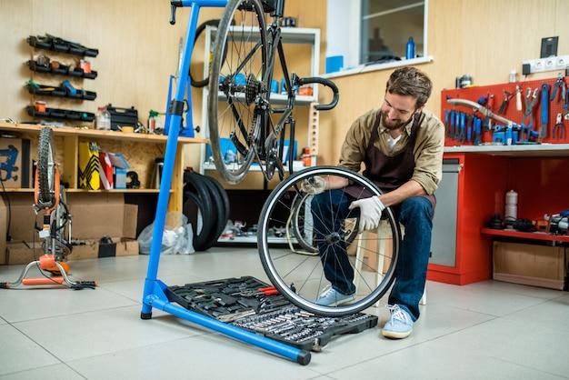 Master avec roue Photo gratuit