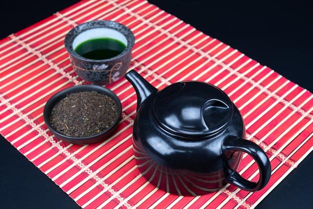 Matcha. cérémonie du thé vert matcha bio. Photo Premium