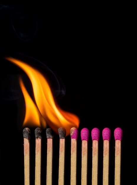 Matches brûlant Photo gratuit