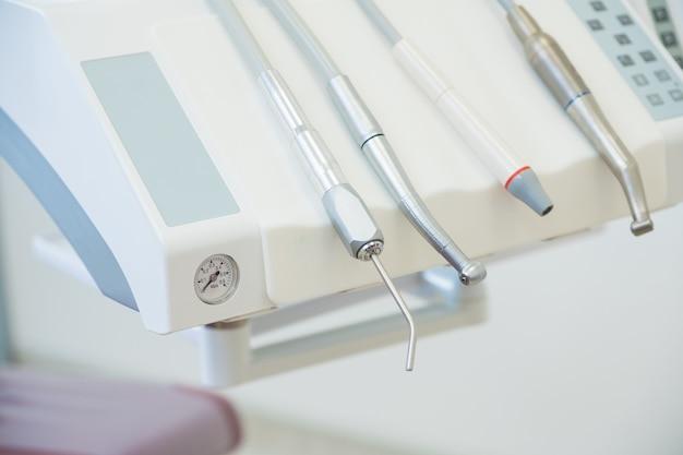 Matériel Dentaire Au Bureau Photo Premium