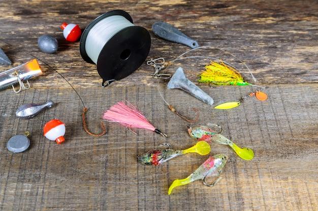 Le matériel de pêche. crochets de pêche Photo Premium