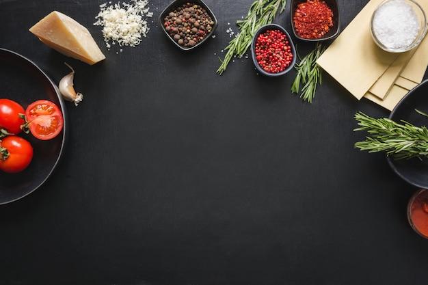 Matières premières pour lasagne Photo Premium
