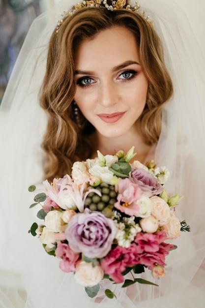 Le matin de la mariée. mariage d'art. bonne mariée Photo gratuit