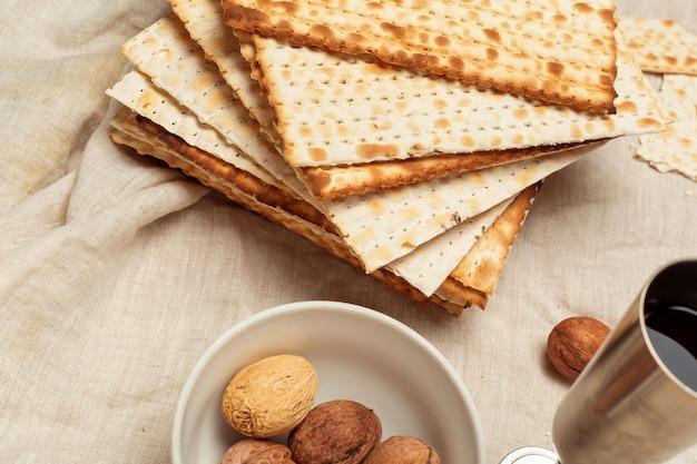 Matzo, matzoth pour la pâque juive Photo Premium