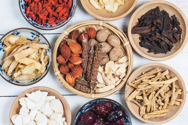 Médecine chinoise traditionnelle Photo Premium