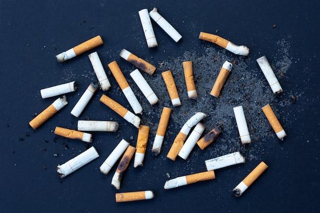 Mégots De Cigarettes Photo Premium