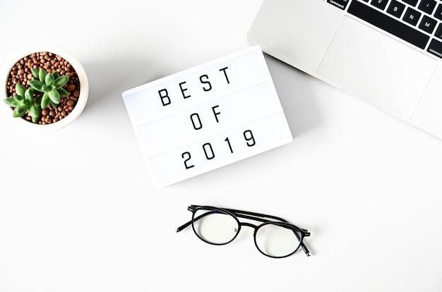 Meilleur De 2019 Texte Sur Composition Lightbox Sur Tableau Blanc Photo Premium