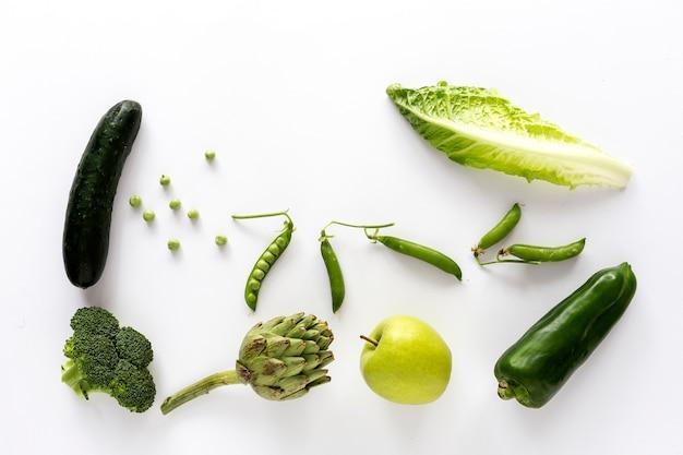 Mélange de fruits et légumes de couleur verte Photo Premium