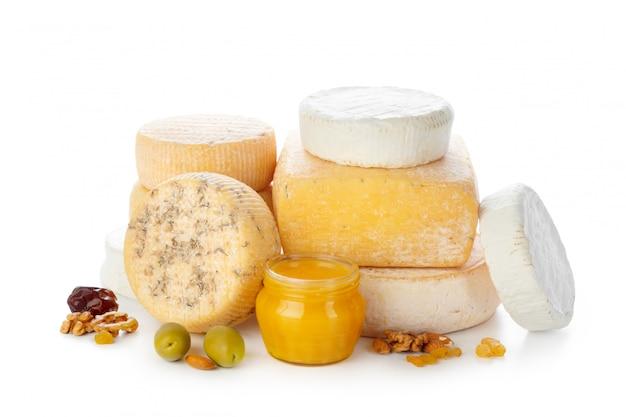 Mélanger du fromage isolé sur blanc Photo Premium