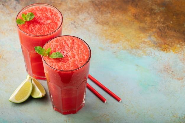 Melon d'eau d'été boisson rafraîchissante. Photo Premium