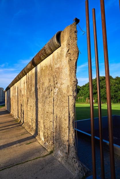 Mémorial du mur de berlin en allemagne Photo Premium