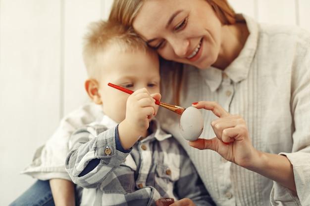 Mère Fils, Préparer, Pâques, Chez Soi Photo gratuit