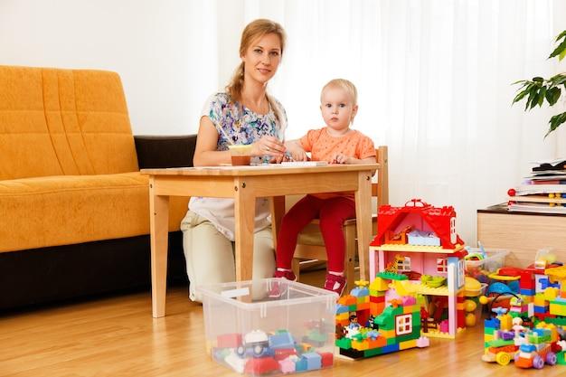 Mère et son enfant Photo gratuit