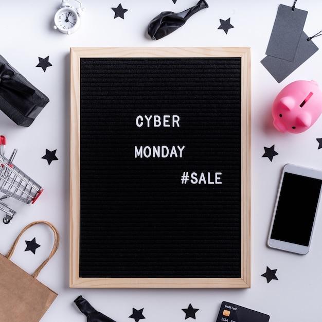 Message De Vente Cyber Lundi Sur Tableau Noir Photo Premium