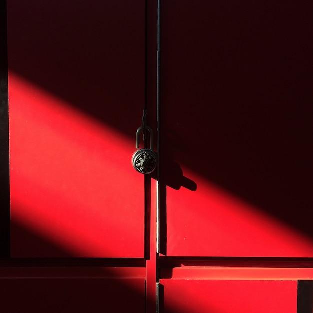 Meubles de lycée lumière rouge Photo gratuit