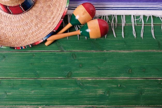 Mexique fond frontière mexicain sombrero maracas fiesta Photo Premium
