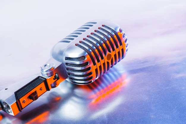 Microphone rétro Photo Premium